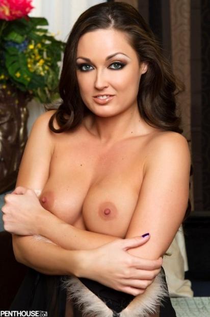 Длинноволосая шлюшка отдается во все дырки порно фото онлайн