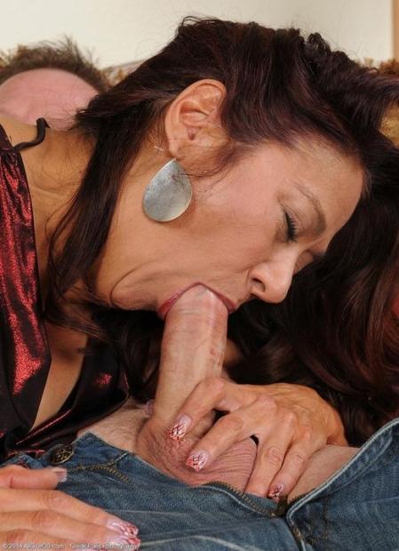 Домашняя подборка отличных порно фото с ебущимися красотками