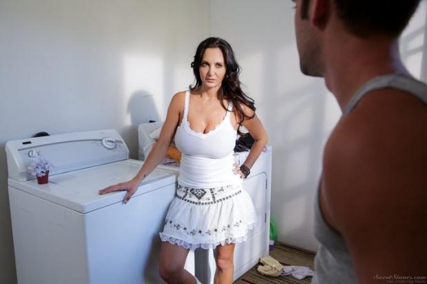 Выебал домохозяйку и ни очем не жалеет развратное порно фото