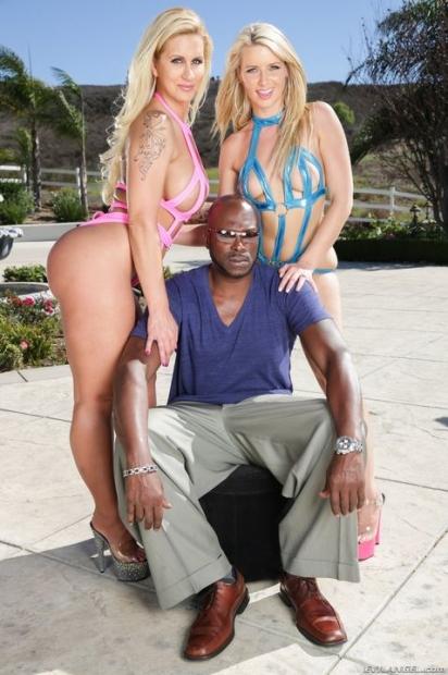 Чернокожий крепыш с твердым членом поимел двух похотливых девах в жжм порно