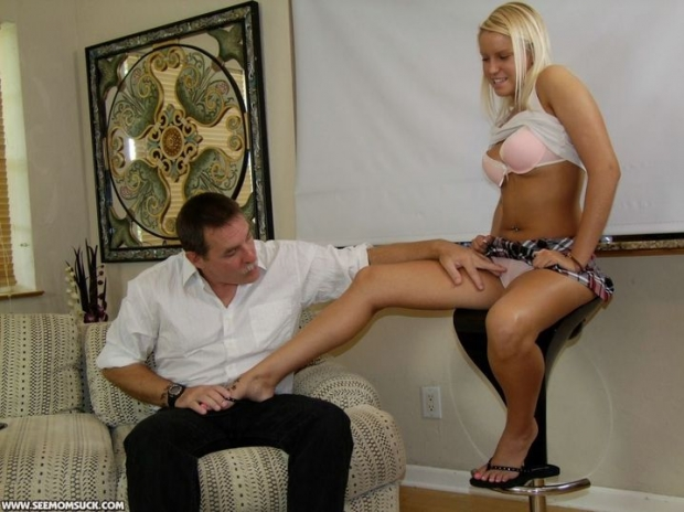 Зрелая женщина страстно порется со своим любовником