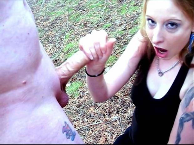 Молодая девка после минете разрешила парню кончить ей в рот порно фото