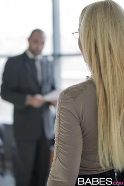 Европейская секретарша обожает трахаться с начальником на работе и получать кремпай