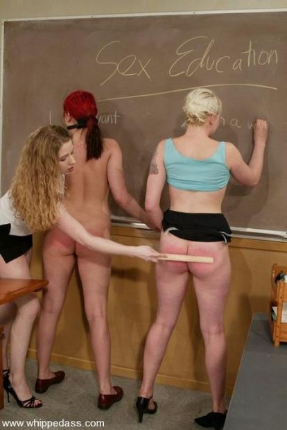 Три прикольные лесбиянки устроили бурную групповушку